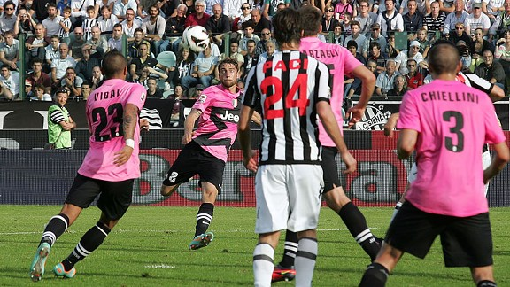 Claudio Marchisio scores Juventus' second goal