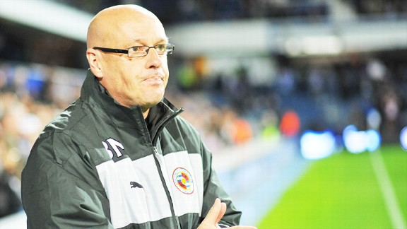 Brian McDermott Reading touchline