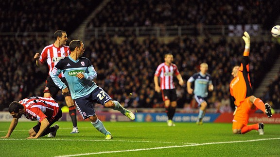 Scott McDonald heads home the winner for Middlesbrough against Sunderland