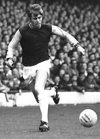 West Ham United youngster Harry Redknapp races down the wing