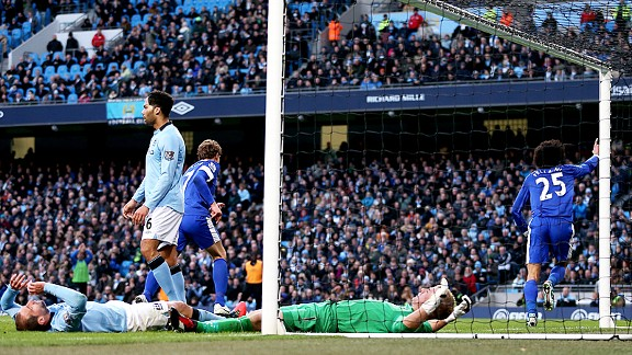 Marouane Fellaini celebrates after putting Everton in front at Man City
