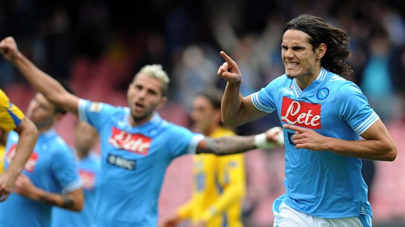 Edinson Cavani scored from the penalty spot in Napoli's rout of Pescara