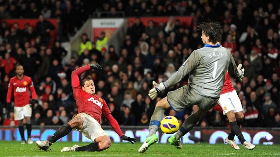 Javier Hernandez's goal for Manchester United settled a seven-goal thriller against Newcastle
