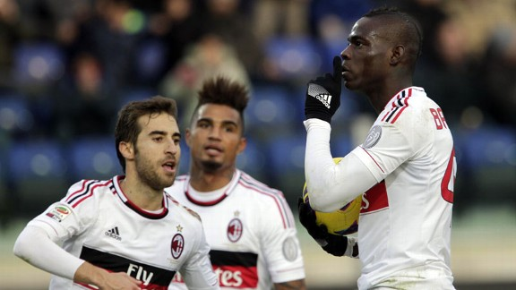 Mario Balotelli scored a penalty to give Milan a share of the spoils