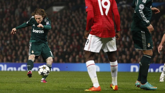 Luka Modric scores for Real Madrid against Man United