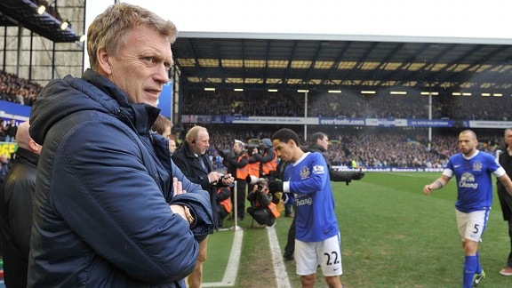 David Moyes dugout Everton v Wigan