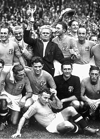 Silvio Piola (4th from left) won the World Cup with Italy in 1938