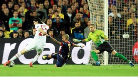 Javier Pastore puts PSG into a shock lead at Barcelona