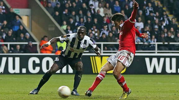 Eduardo Salvio broke Newcastle hearts with a late Europa League goal for Benfica
