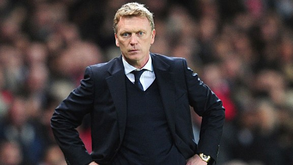 David Moyes hands on hips stare Arsenal