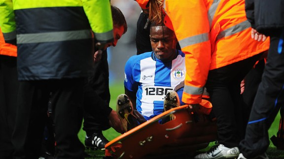 Maynor Figueroa injury treatment Wigan v Tottenham