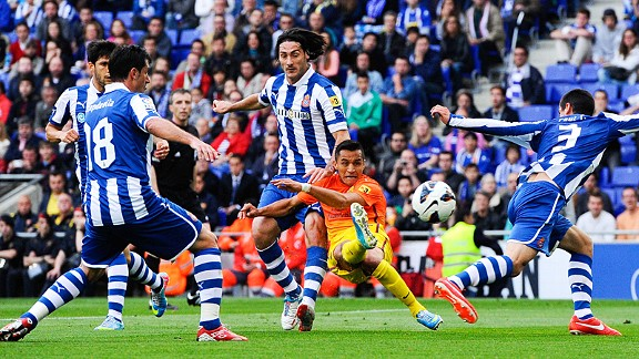 Alexis Sanchez scores for Barcelona against Espanyol