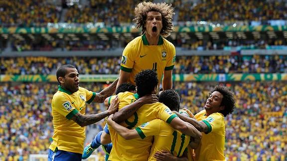 Berita Bola - David Luiz Resmi Menjadi Bek Termahal Di Dunia -