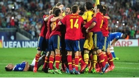 Spain Under-21s celebrate after beating Italy