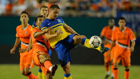 Gerard Deulofeu received his full Everton debut against Valencia.