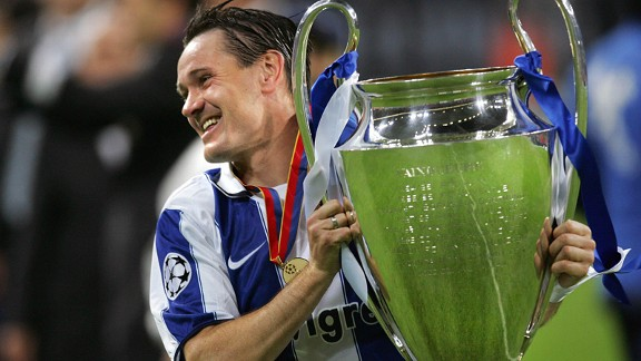 Dmitri Alenichev lifts the Champions League trophy as a Porto player.