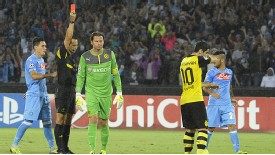 Roman Weidenfeller sees red against Napoli.