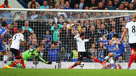 Oscar scores from close range against Fulham.