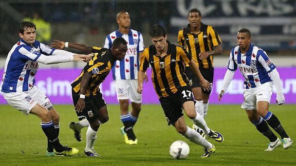 Vitesse's Lucas Piazon scored a brace against Heerenveen.