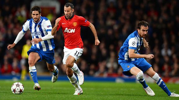 Ryan Giggs brings the ball forward against Sociedad.