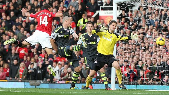 Javier Hernandez scores to complete the Manchester United comeback against Stoke.