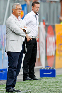 Stromsgodset coach Ronny Deila (right) pits his wits against Atletico de Madrid coach Gregorio Manzano.