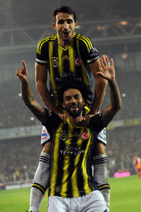 Cristian Baroni celebrates after netting Fenebahce's second.