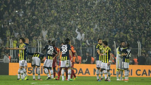Fenerbahce celebrate their 2-0 victory over Galatasaray.