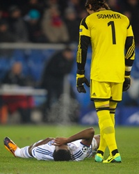 Eto'o injured