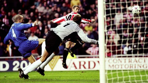 Kevin Phillips scores as Sunderland beat Wednesday night's opponents Chelsea 4-1 at Stadium of Light in 1999.