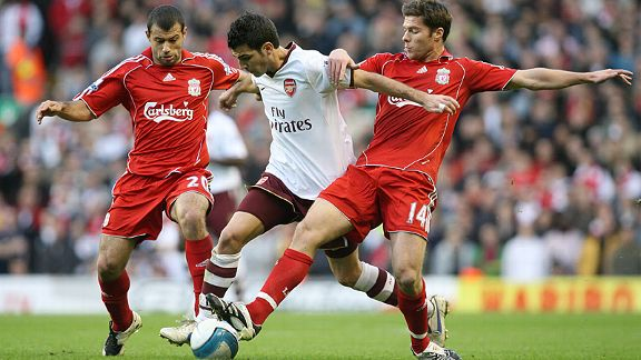 Xabi Alonso and Javier Mascherano in Liverpool's
