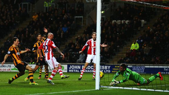 Stephen Ireland Hull v Stoke chance
