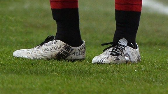 Mario Balotelli's fancy new footwear.