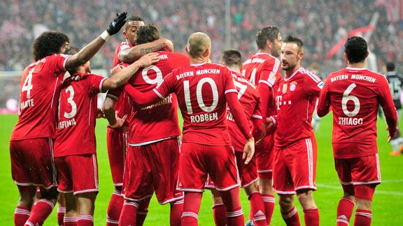 Bayern Munich celebrate after Mario Mandzukic rounded off Sunday's 5-0 victory.