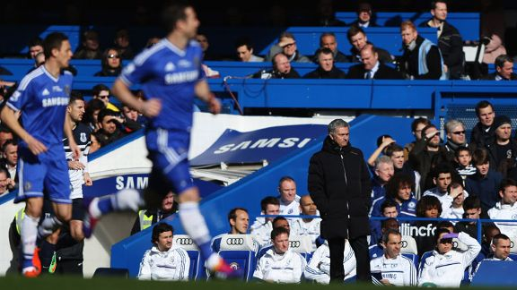 Chelsea action Everton Jose Mourinho touchline