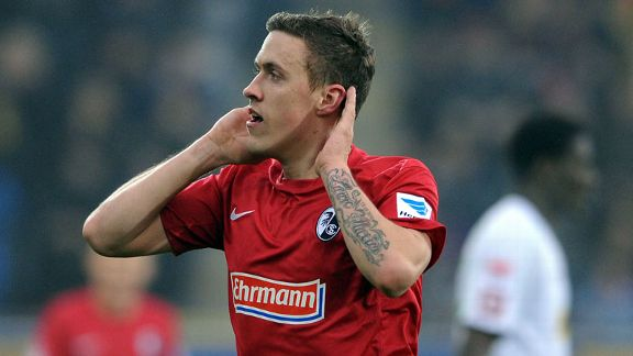 Max Kruse celebrates after netting the opening goal in last year's 2-0 victory over Gladbach.