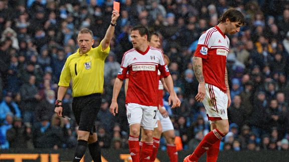 Fulham's Fernando Amorebieta is sent off against Man City.