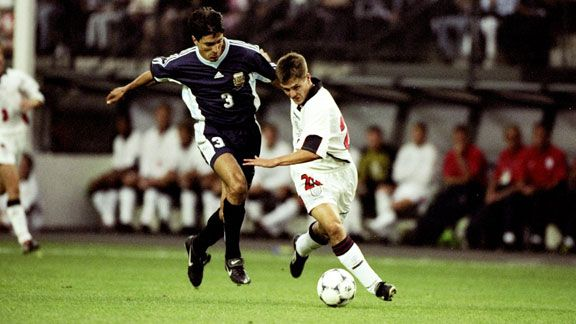 Michael Owen shrugs off Jose Chamot England vs Argentina 1998 World Cup
