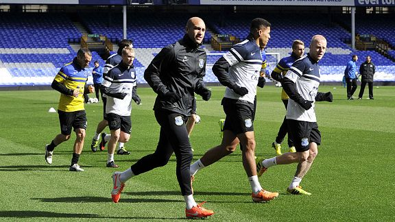 Tim Howard in Everton training.
