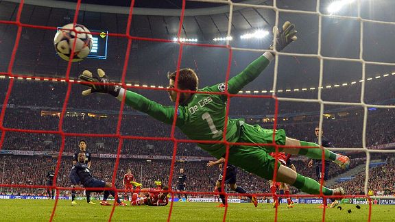 David De Gea can't keep out Mario Mandzukic's header to level for Bayern instantly.