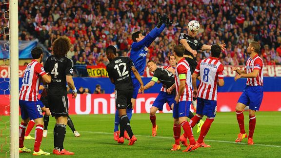 Thibaut Courtois punch Atletico Madrid Chelsea