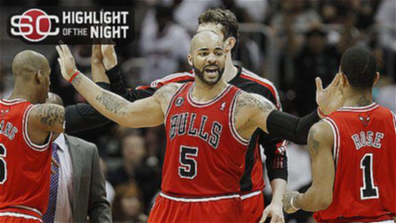 Boozer, Rose lead Bulls' rout to eliminate Hawks