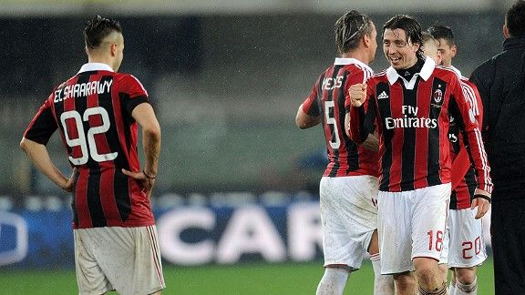 Riccardo Montolivo's first half goal was enough to give Milan a rain-drenched win at Chievo.