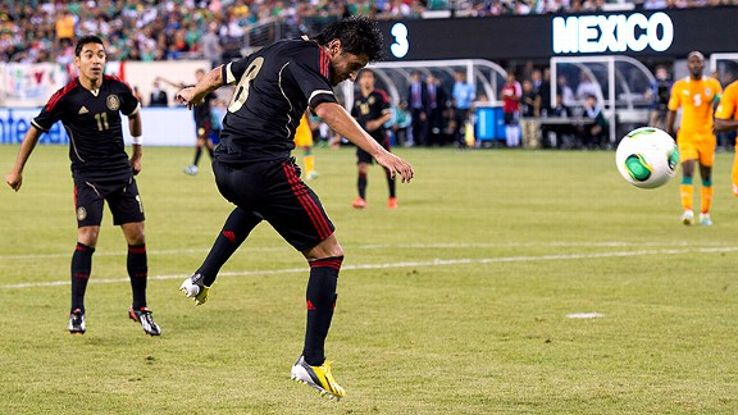 Erstwhile El Tri midfielder Angel Reyna will suit up for Chivas during the upcoming Apertura.