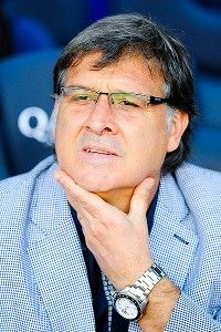 Martino has plenty to ponder as he manages Barcelona's transition.