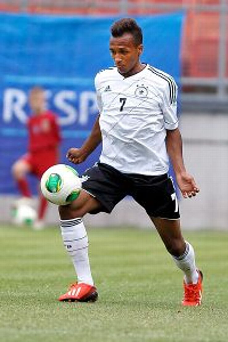 Julian Green has a chance to make this summer's World Cup squad at 18 after deciding to join the U.S. national team.