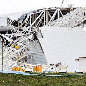 FIFA unsure of World Cup stadium delay