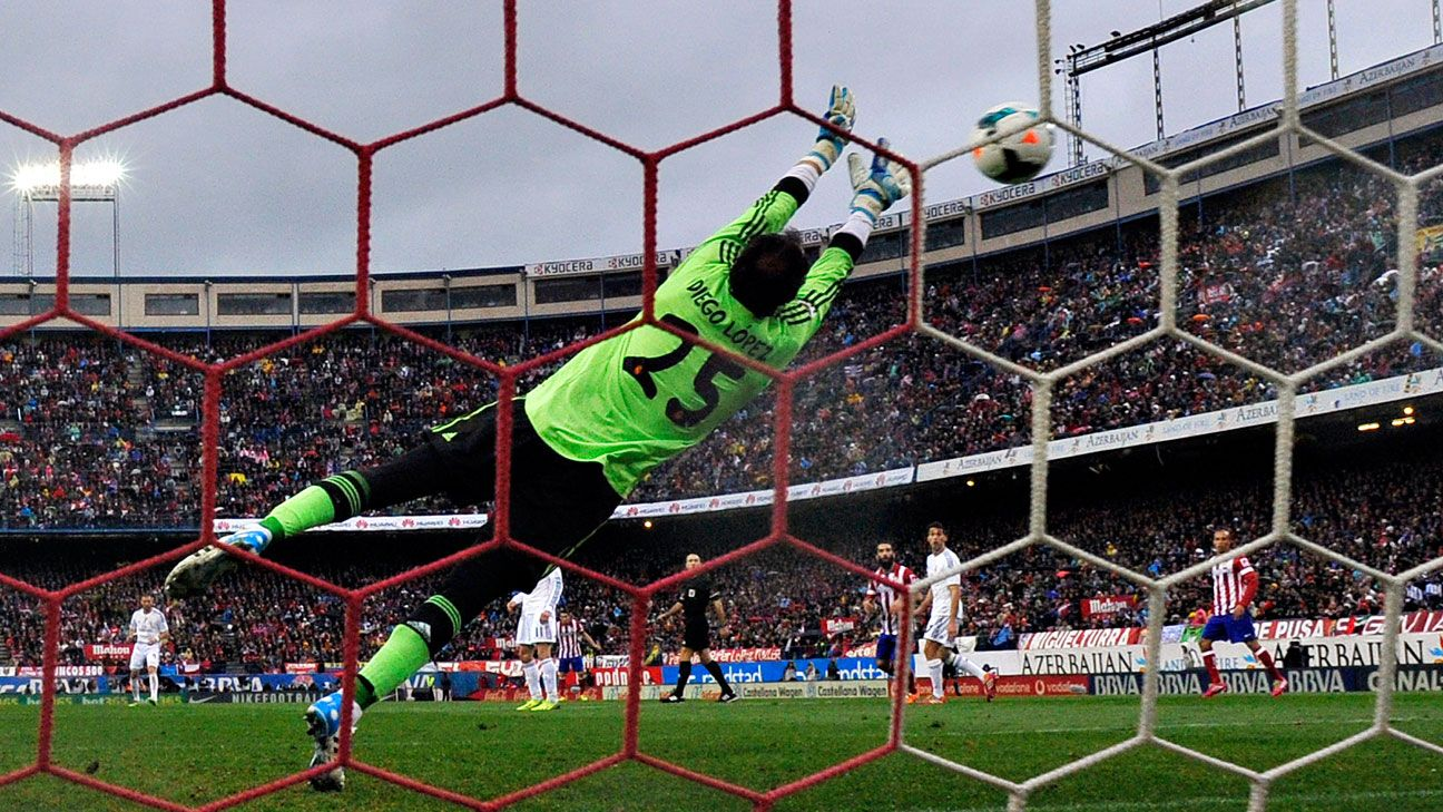 Diego Lopez has displaced Iker Casillas in Real Madrid's league campaign.