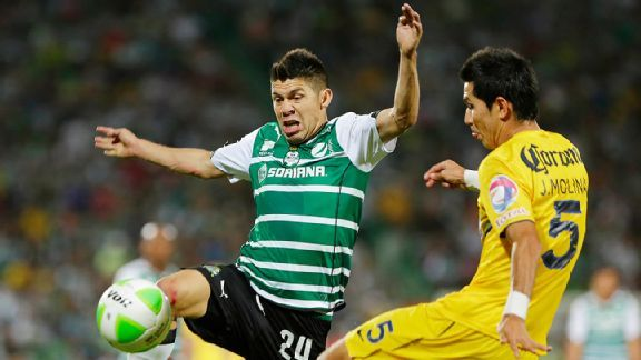 Santos Laguna's Oribe Peralta will hope to tally his first goal in the year's Liguilla against Pachuca.