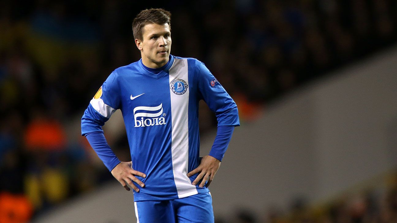 Liverpool and Everton tar Yevhen Konoplyanka to stay at Dnipro